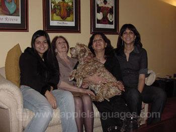 Une famille d'accueil avec leur chien !