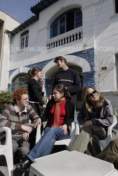 Devant notre école à Santiago