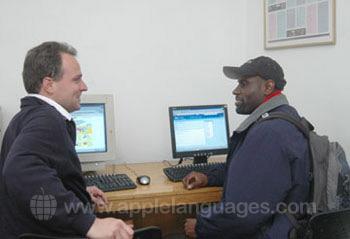 Garder le contact grâce au cybercafé de l'école