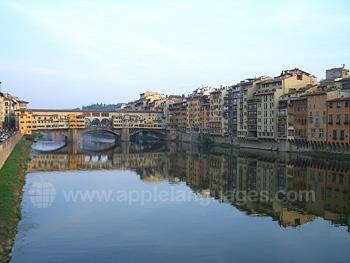 Le Ponte Vecchio le fleuve Arno à Florence