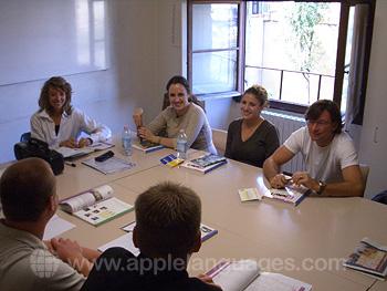 Des étudiants en cours dans notre école de Florence