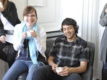 Des étudiants se relaxant après les cours