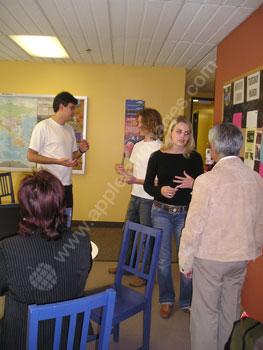 Parler français dans la cafétéria de l'école