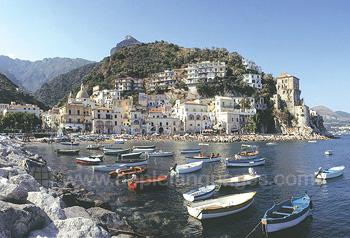 Salerno se trouve sur la belle côte amalfitaine