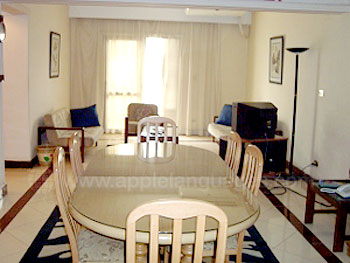 Salon et salle à manger dans la résidence