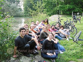 Des étudiants en sortie à vélo