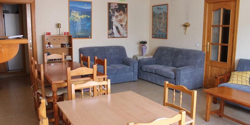 Salon dans un appartement en colocation