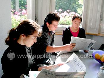 Étudier des journaux allemands en cours