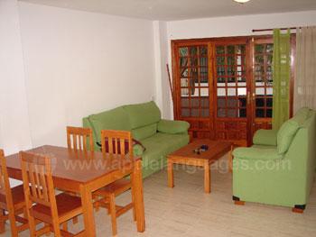 Salon spacieux et confortable