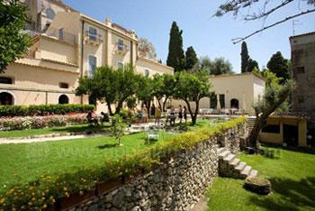 L'école et ses beaux jardins