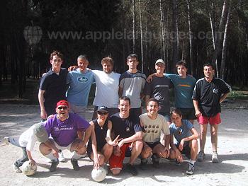 Match de football entre le personnel et les étudiants