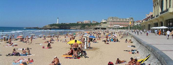 Promenade et plage à Biarritz