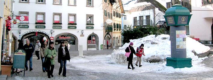 Centre-ville enneigé de Kitzbühel