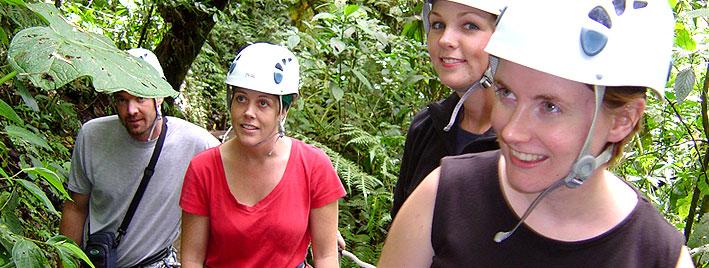 Accrobranche en forêt à Monteverde