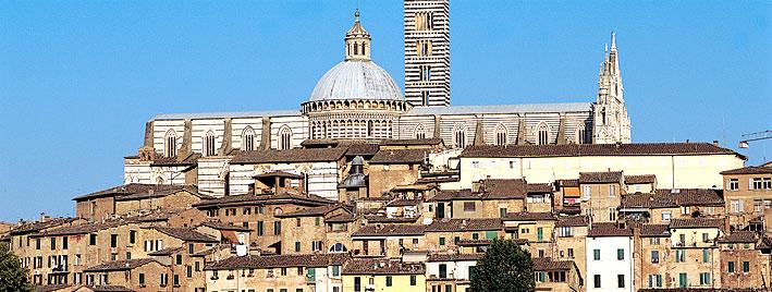 Vue sur les toits de Sienne, en Italie