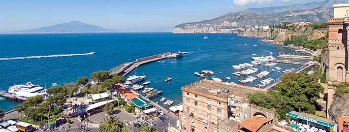 Vue sur Marina Grande, à Sorrente en Italie