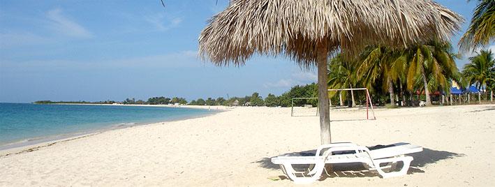 Palmiers et sable blanc à Trinidad