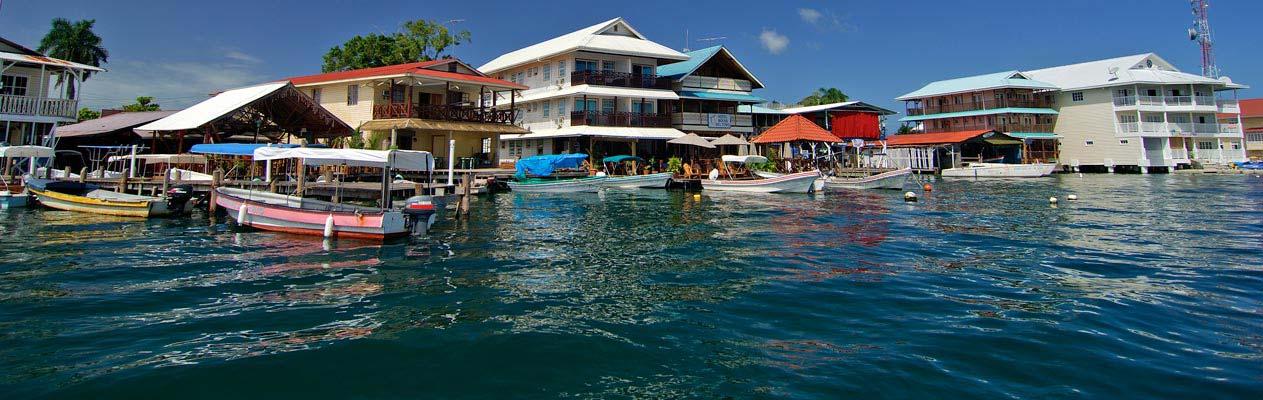 Maisons au bord de l'eau à Bocas del Toro