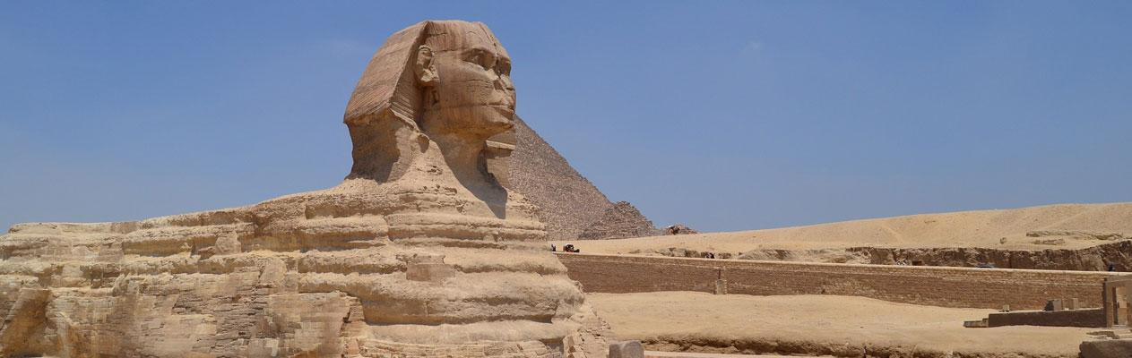 Sphinx et pyramide du Caire