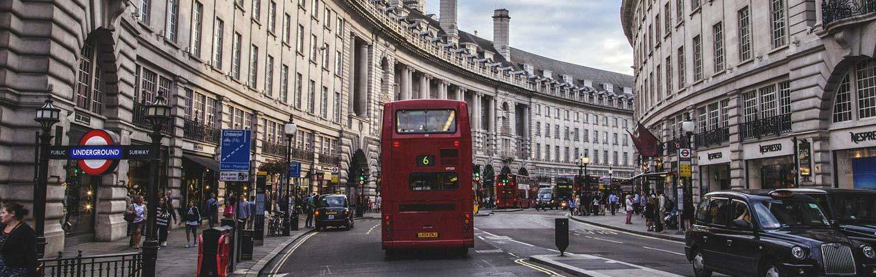 Bus à double étage à Kensington, Londres