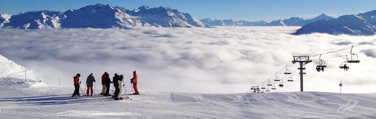 Séance de ski après un cours de français à Annecy, France