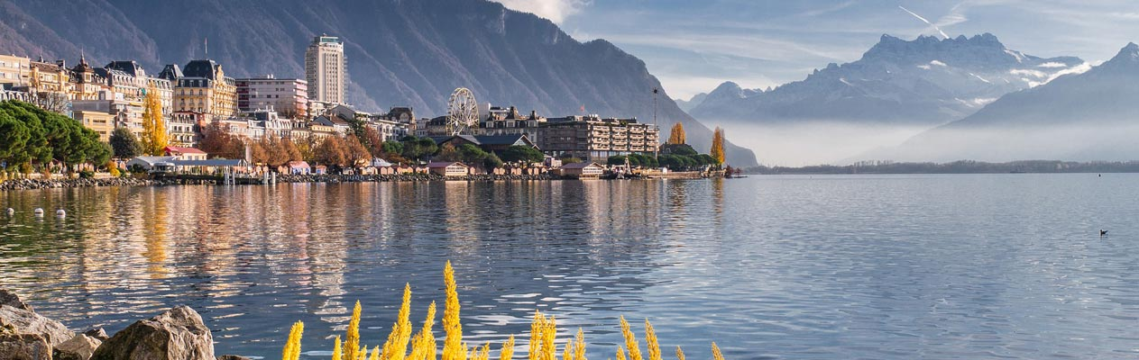 Lac et paysages de montages en Suisse